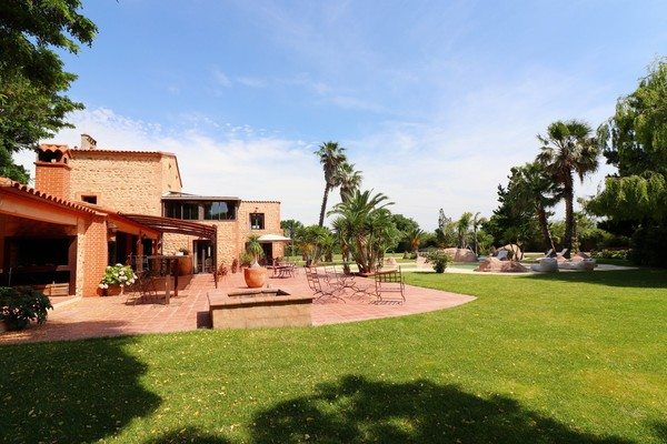 Renovated property on the outskirts of Perpignan